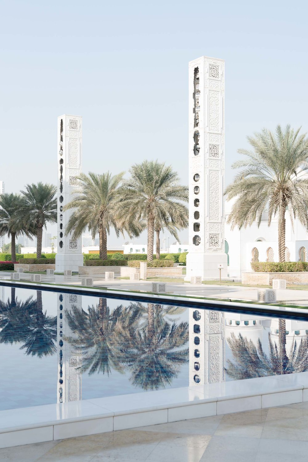 the_getaway_edit_abu_dhabi_sheikh_zayed_grand_mosque-6.jpg