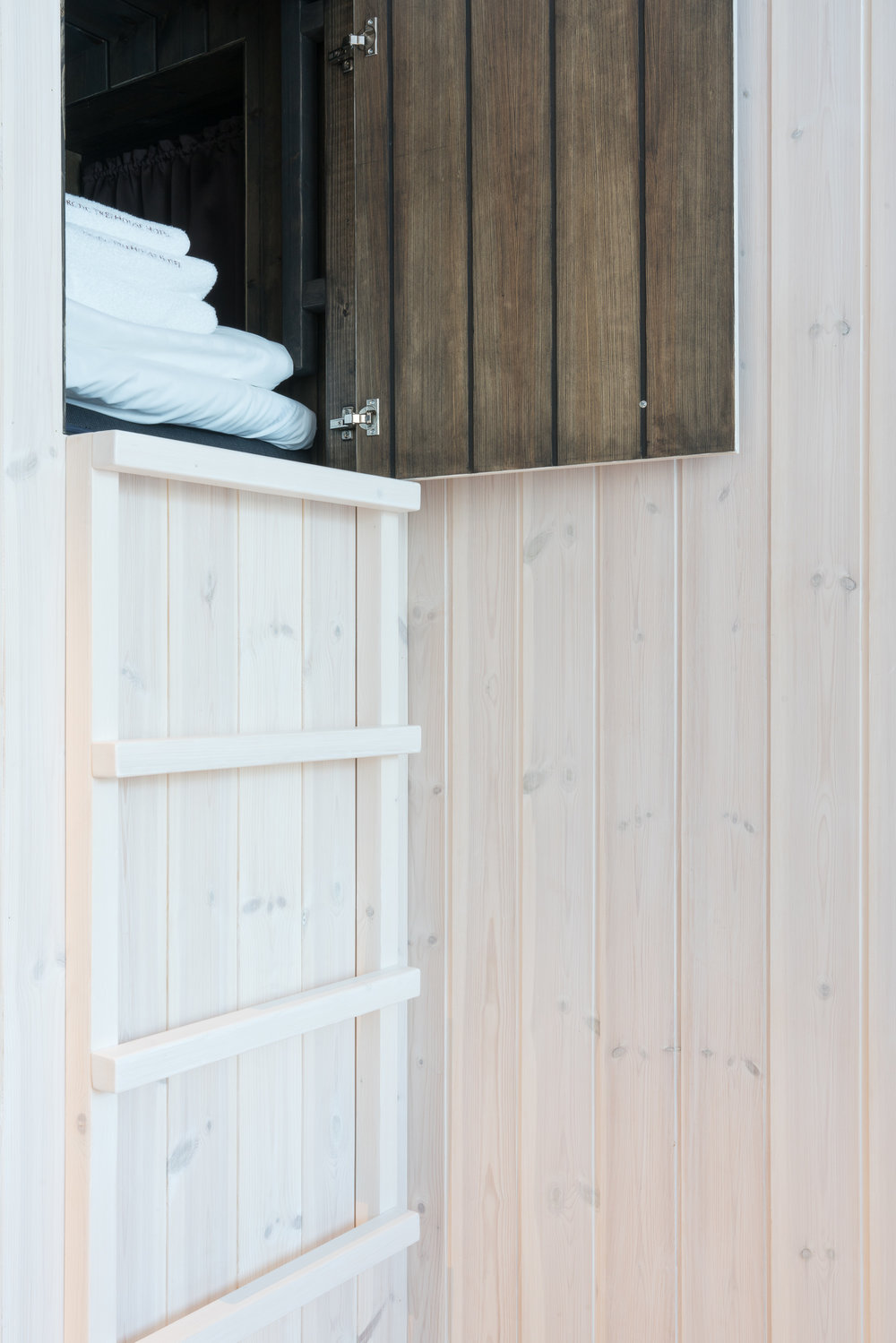 the_getaway_edit_finland_rovaniemi_arctic_treehouse-1.jpg