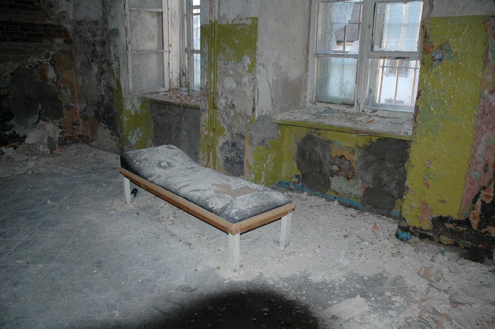 hiapb-prison-bed-web.jpg