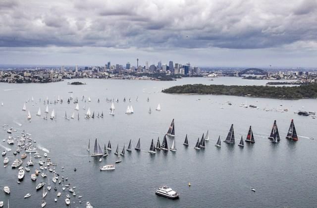 2017-rolex-sydney-hobart-yacht-race-start-credit-rolex-carlo-borlenghi.jpg