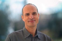 Prof. Mathias Frisch Email:mathias.frisch@philos.uni-hannover.de