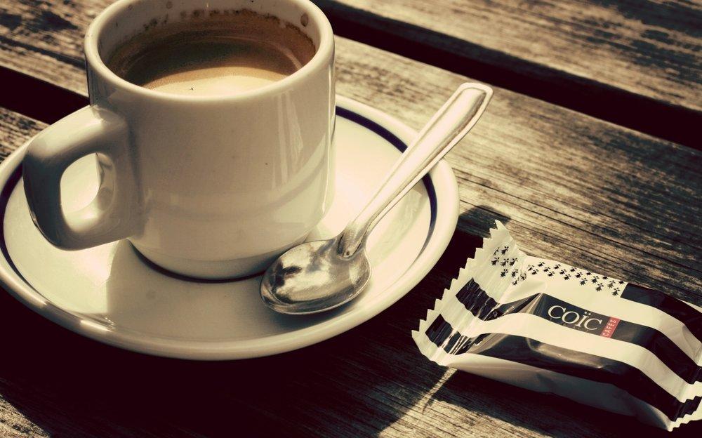 FITNESS PAUSE - € 16.00 pro PersonKaffee/ Tee und Quellwasser, Fruchtspieße mit Joghurt-Dip, Bircher Müsli, Müsliriegel