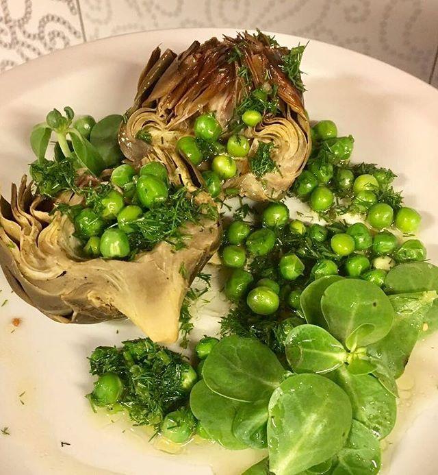 """""""Enginar Festivali şerefine biz de LİT'de mini mini enginarlar pişirdik"""". #lit #litkarakoy #happycow #vegan #karakoy #istanbul #whereveganseat #veganfood #veganrecipes #wholefood #plantbased #lifeinlit #veganpeynir"""