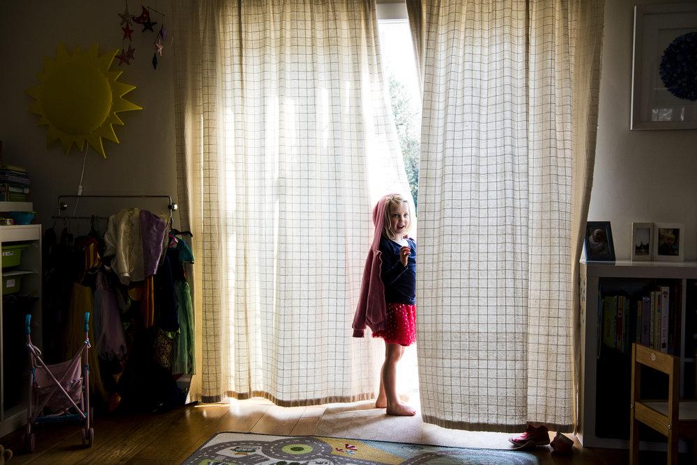 sally-hornung-photography-girl-curtains-1.jpg