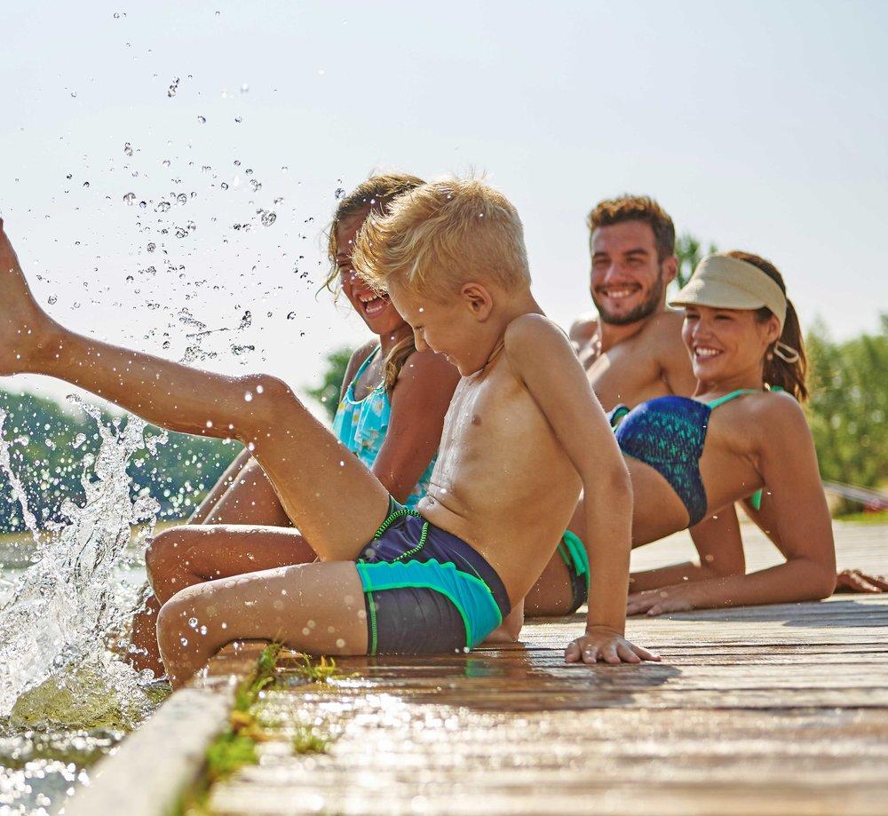 bigstock-Family-splashing-web.jpg