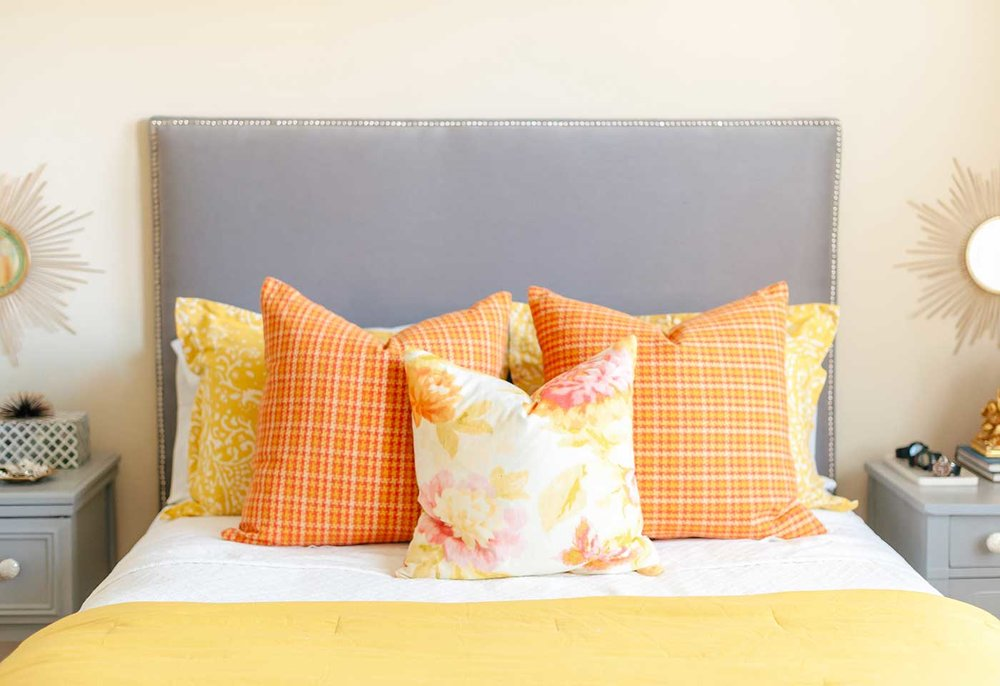 headboard-pillows-upclose2-pro.jpg