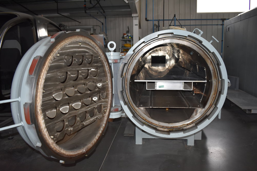 30IN x 14FT       AUTOCLAVE -