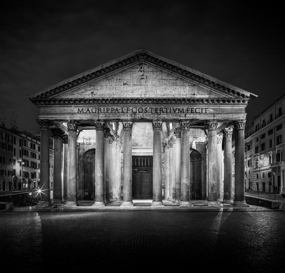 pantheon-bw.jpg