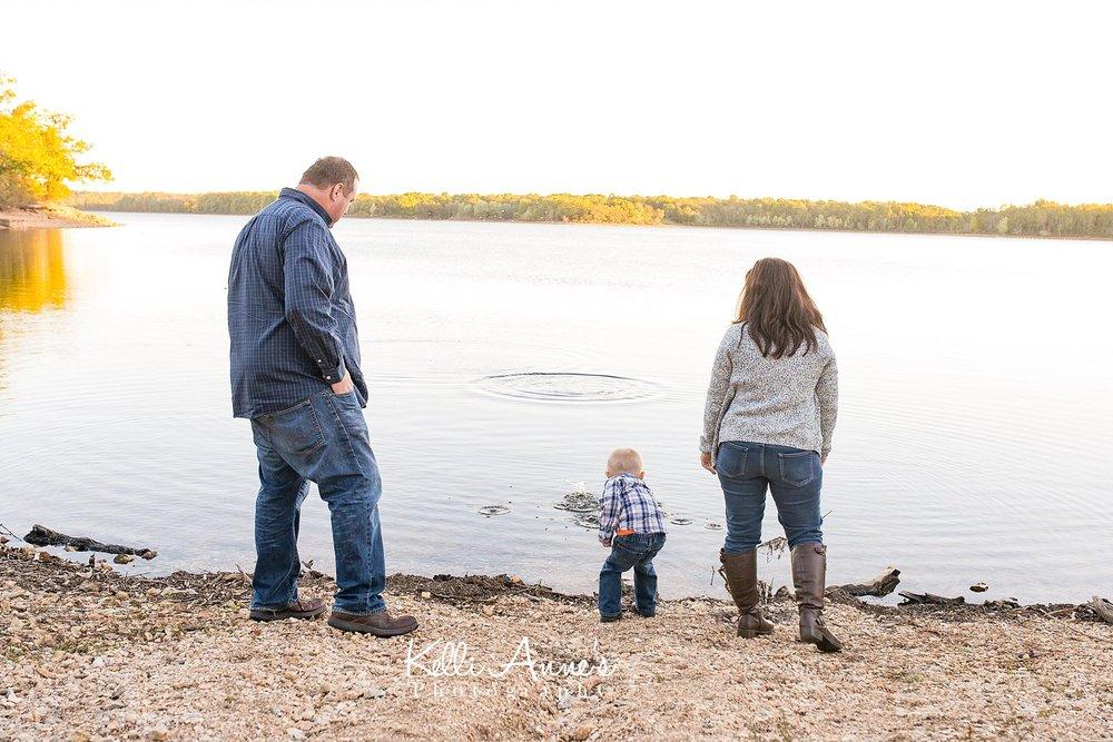 Springfield MO, Skipping rocks, water, lake, Fellows Lake, Family session, toddler boy, family of 3