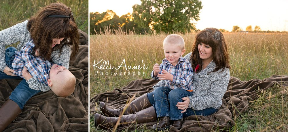 Mom, snuggles, laughs, silly, tickle, sitting, brown blanket, sunset, field, sunset, fellows lake, springfield mo