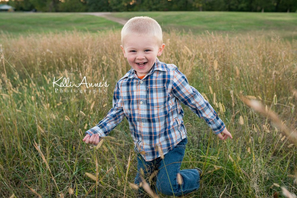 Dancing, laughing, tall grass, sunset, swinging, field, fellows lake, springfield mo