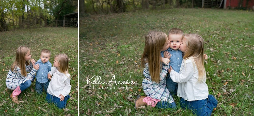 Siblings, kisses, cheek kisses, sisters, brother, little man, big sister, little brother, cowboy boots, field, backyard, country session, springfield mo