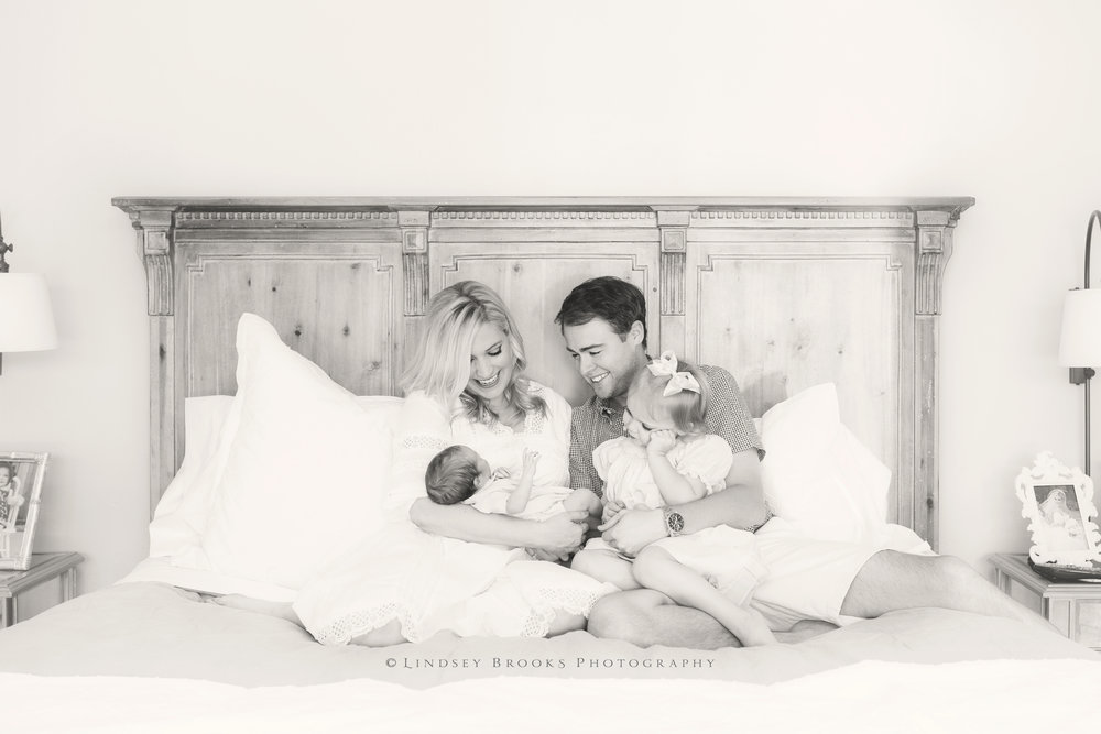 okc newborn photographer_04bw.jpg