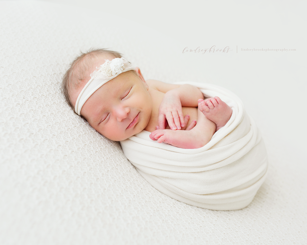 newborn-photographer-oklahoma-city-baby-girl.png