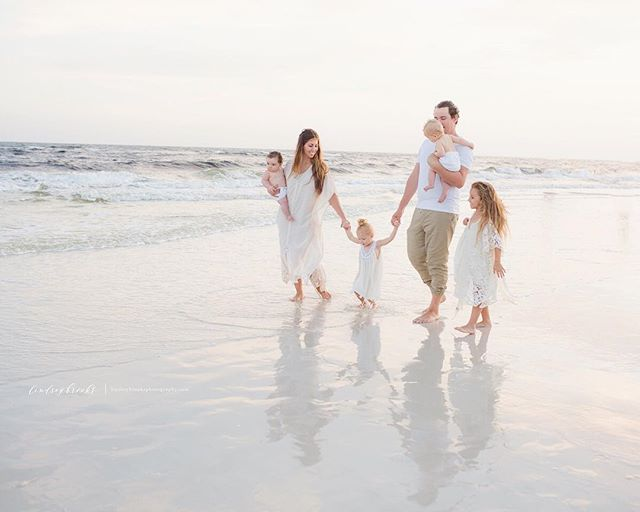 If anyone wants to stuff me in your suitcase and take me back to the beach for a family session well, I'm all there. - @jesswhiterobinson your family is gorgeous ♡  session wardrobe/styling by the lovely @swainstudio