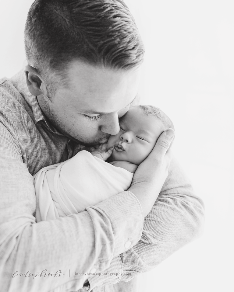 newborn-father-okc-photography.png