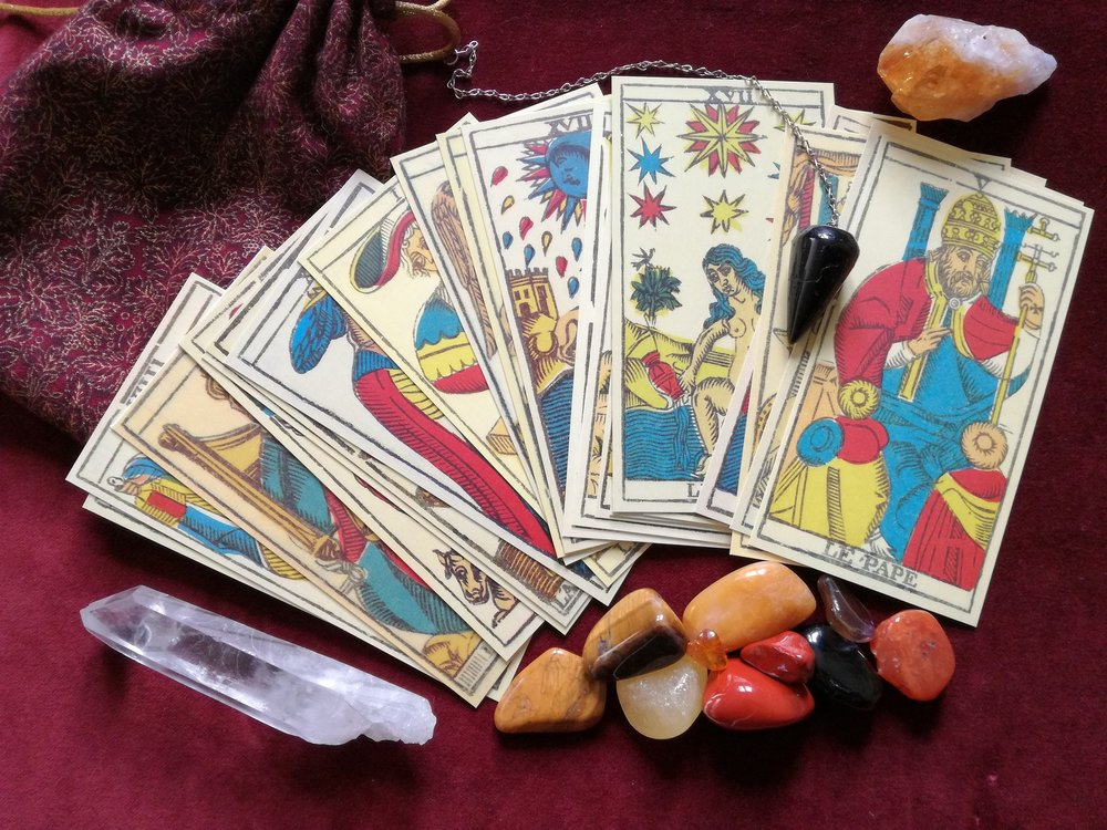 Daily tarot, angel oracle readings,  sychic, reiki, intuitive energy healin  , crystal healing