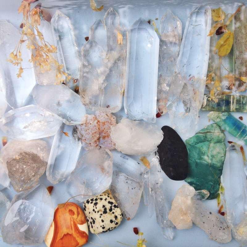 healing crystals, quartz, lemurian