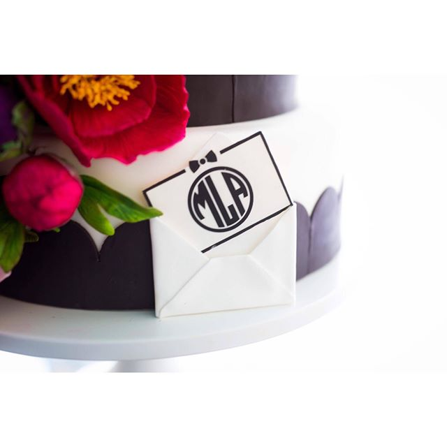 Here is a neat project that I got to work on last week. I was asked to design a graphic for a stationary for my friends over at @mischiefmakercakes. I ended up creating a custom monogram and border for this project. They then took my work and translated it into an edible medium! So cool. Check out @mischiefmakercakes page to see more amazing cake designs. Photography by @natasharaichelphotography.