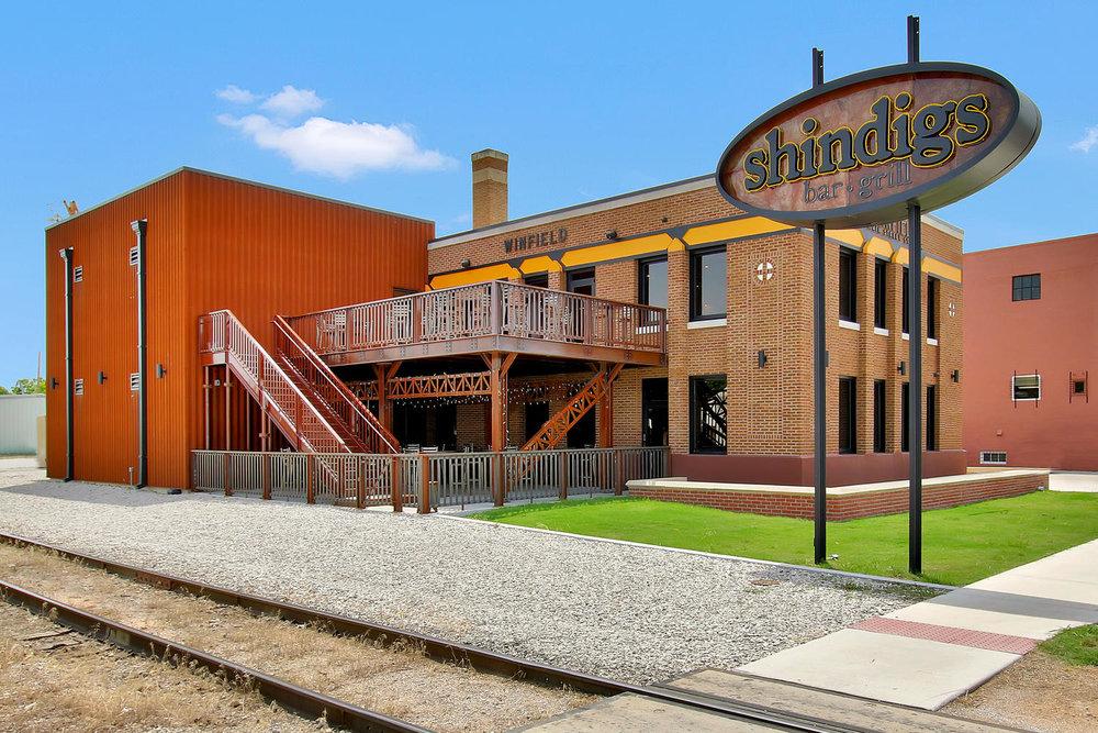 Shindigs Bar and Grill - Winfield, KS