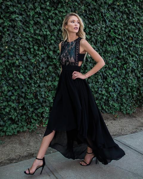 Did someone request drama?!?! This high low hem Maxi is giving the right amount of sexy and perfect for a summer night soiree. Vici Collection is one of those online boutiques that you bookmark!! Great prices and they usually have a coupon for 20%.