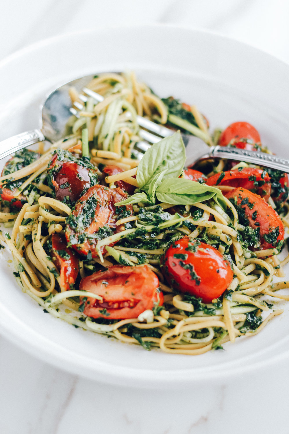 Basil and Kale Pesto Linguine Pasta with Zoodles
