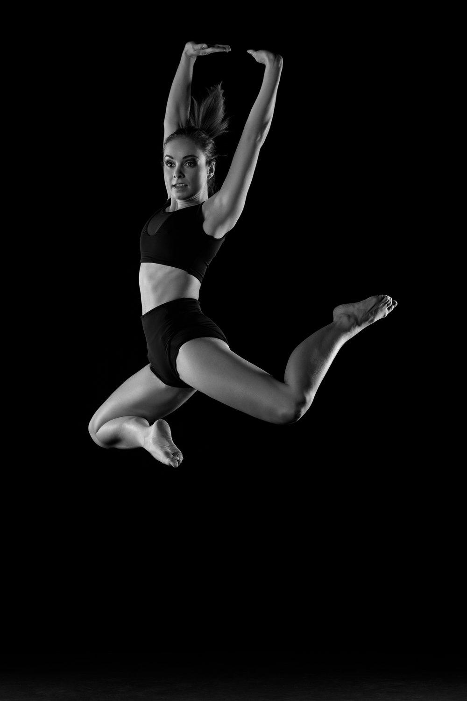0605 Moving Dancers ZW_W.jpg