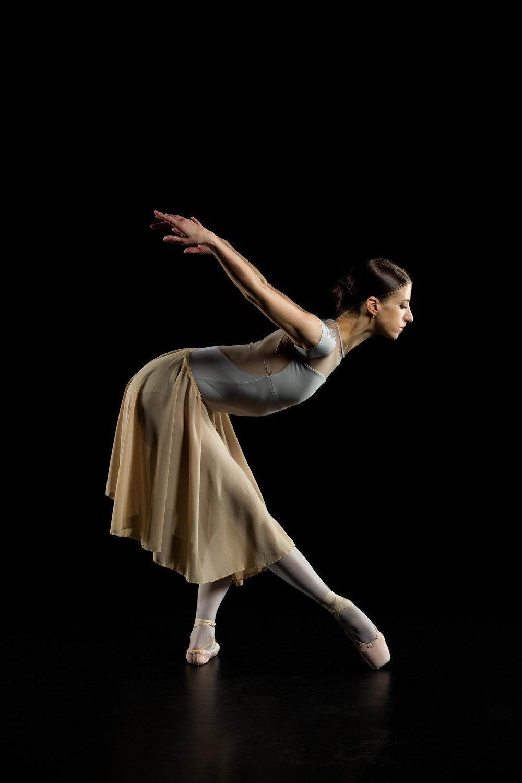 0140 Maria Seletskaja Dance Shoot.jpg