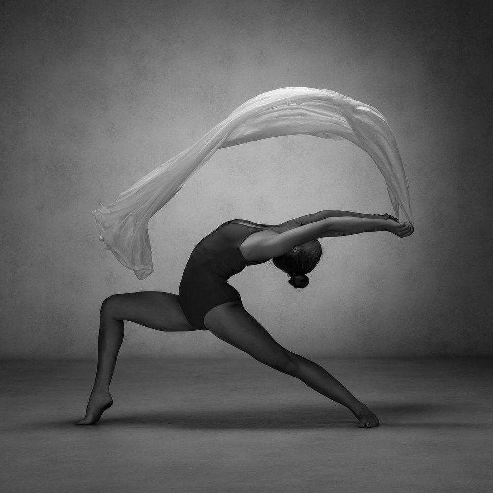 0588 Studio Dance Shoot Lisa-Marie & Xanthe B_W.jpg