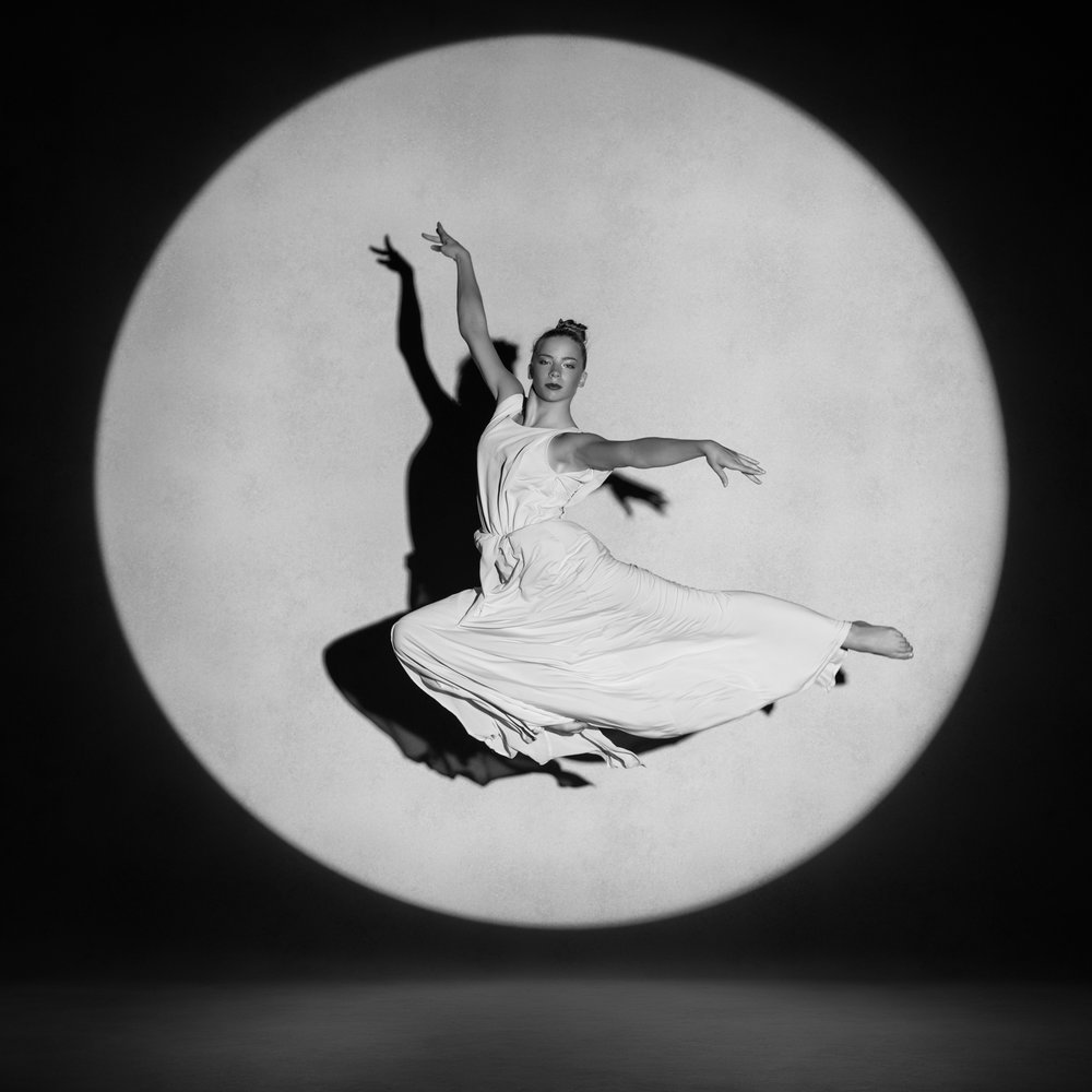 0718 Studio Dance Shoot Lisa-Marie & Xanthe ZW_W.jpg