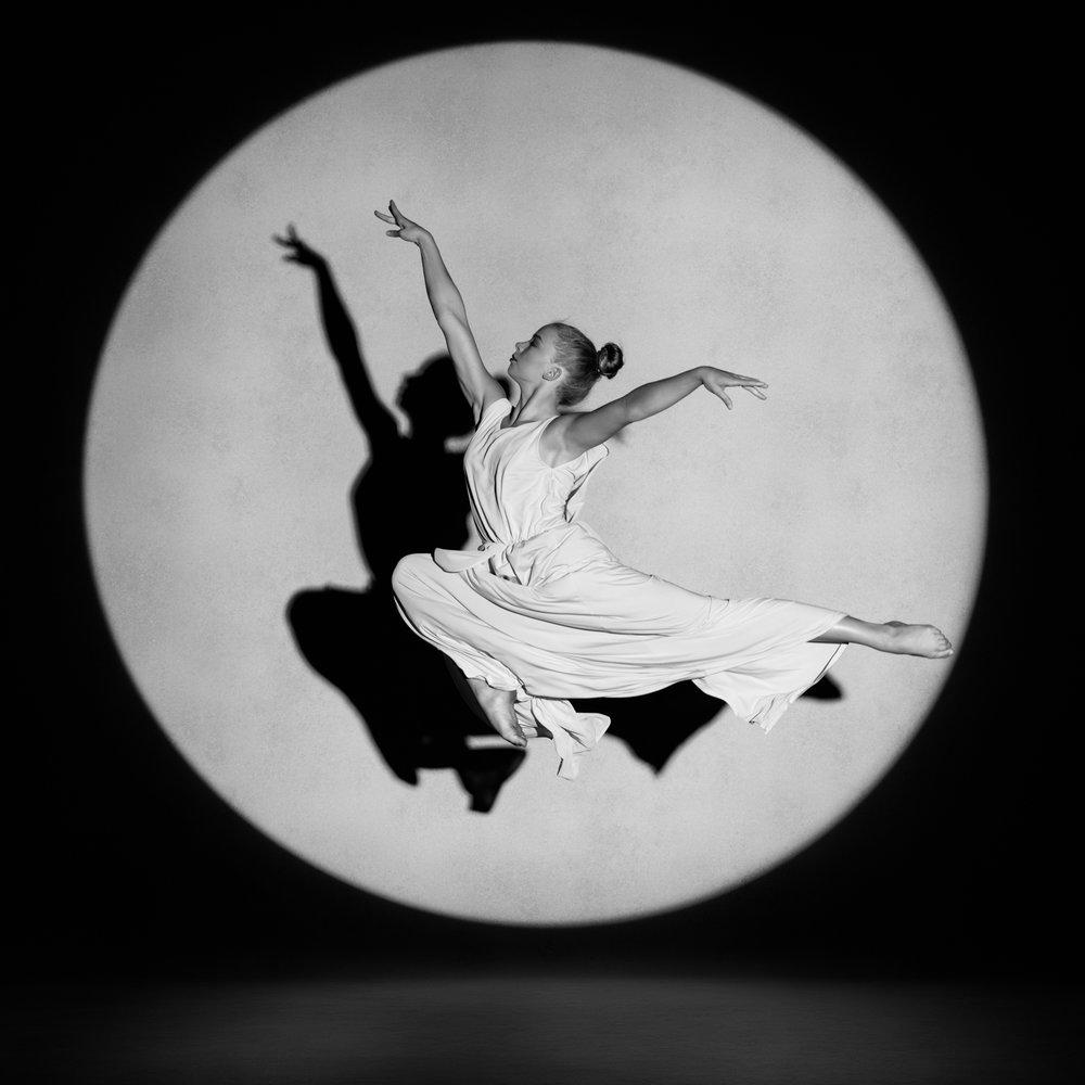 0720 Studio Dance Shoot Lisa-Marie & Xanthe B_W.jpg