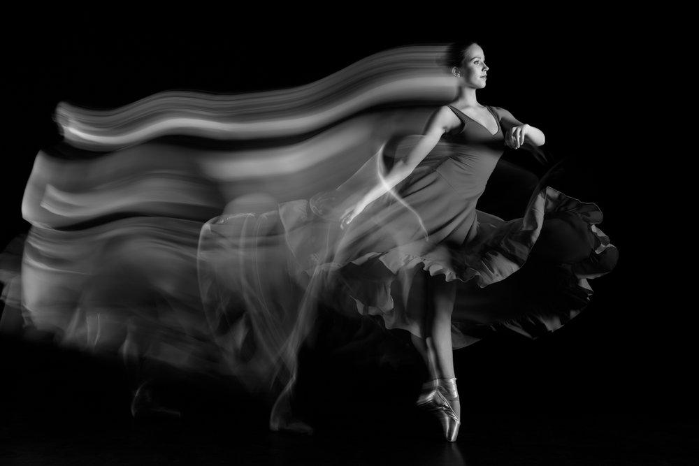 0135 Dance Shoot Veerle Studio Wartibo B_W.jpg