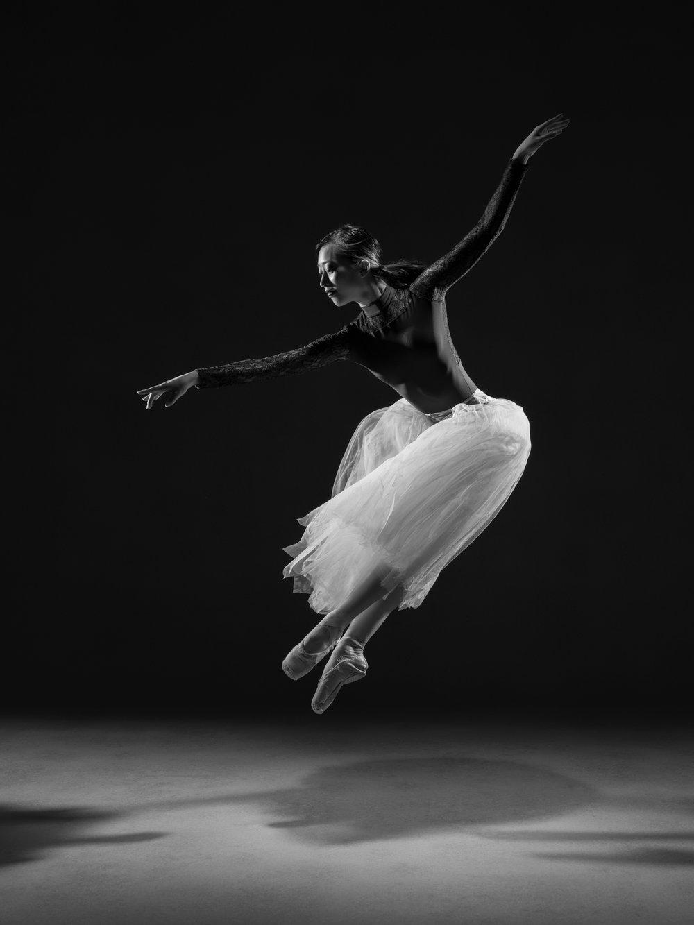 0104 Ruka & Enrico Dance Shoot Studio B_W.jpg