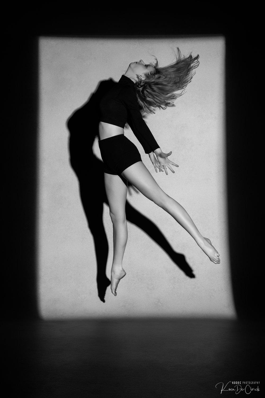 0488 Dance Shoot Kato Thomas B_W.jpg
