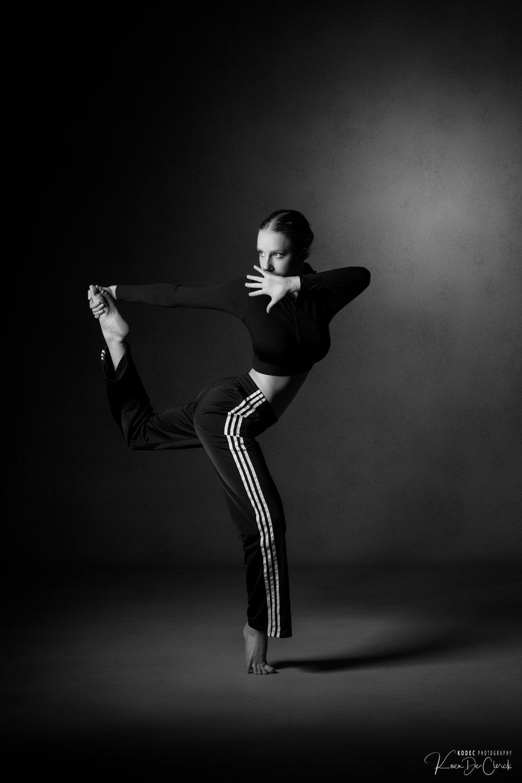 0658 Dance Shoot Kato Thomas B_W.jpg