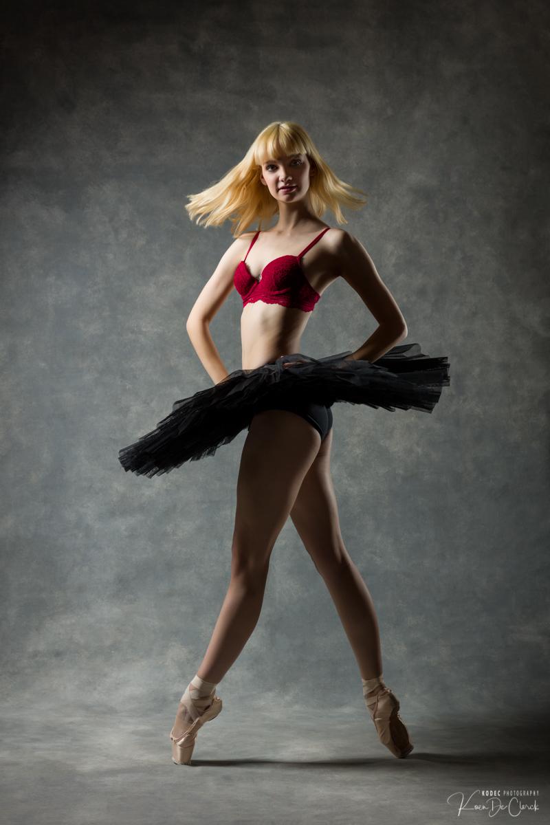 0489 Lisa-Marie Dance Shoot december 2018.jpg