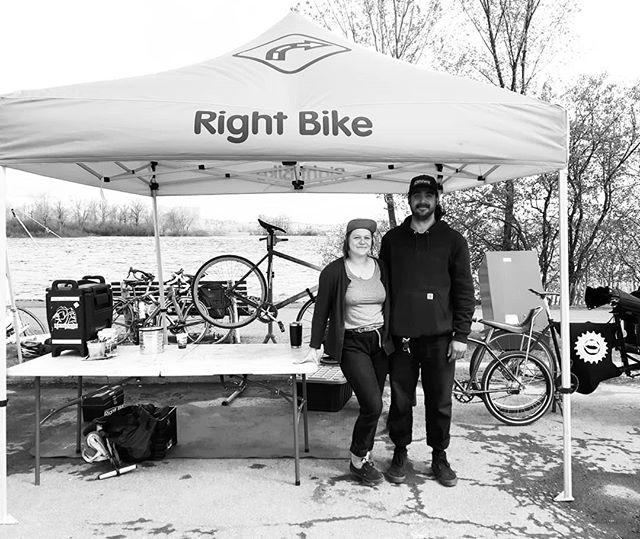 Hanging out with @2wheelsaheadcourier at CycloFusion!  #bikecommunity#bikefair#cyclofusion#nokiabikedays#sundayfunday