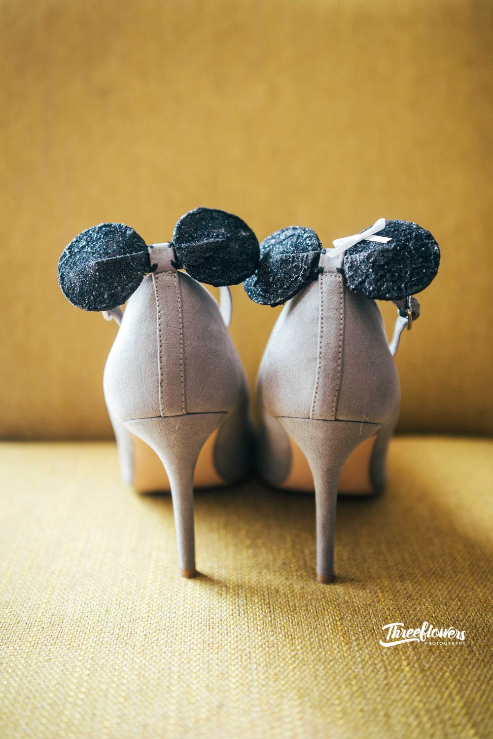 DIY disney mickey and minnie shoes