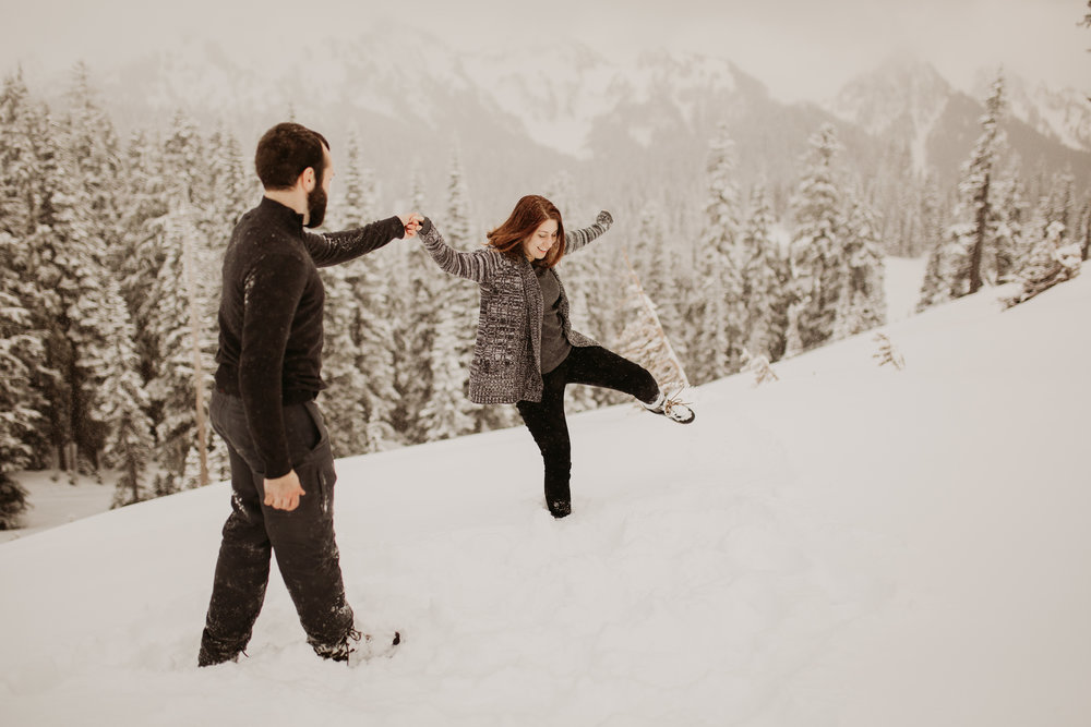 pnw_washington_oregon_elopement_mount_rainer_engagement_wedding_photographer04.jpg