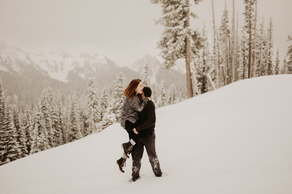 pnw_washington_oregon_elopement_mount_rainer_engagement_wedding_photographer05.jpg