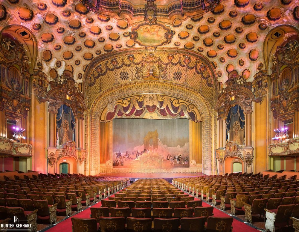Los Angeles Theatre - Photo by Hunter Kerhart.jpg