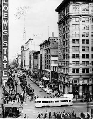 broadway_7th_streetcar_good2_4354879202_o.jpg