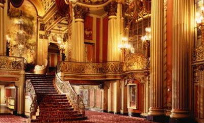 los_angeles_theatre-interiorlobby_4354880542_o.jpg
