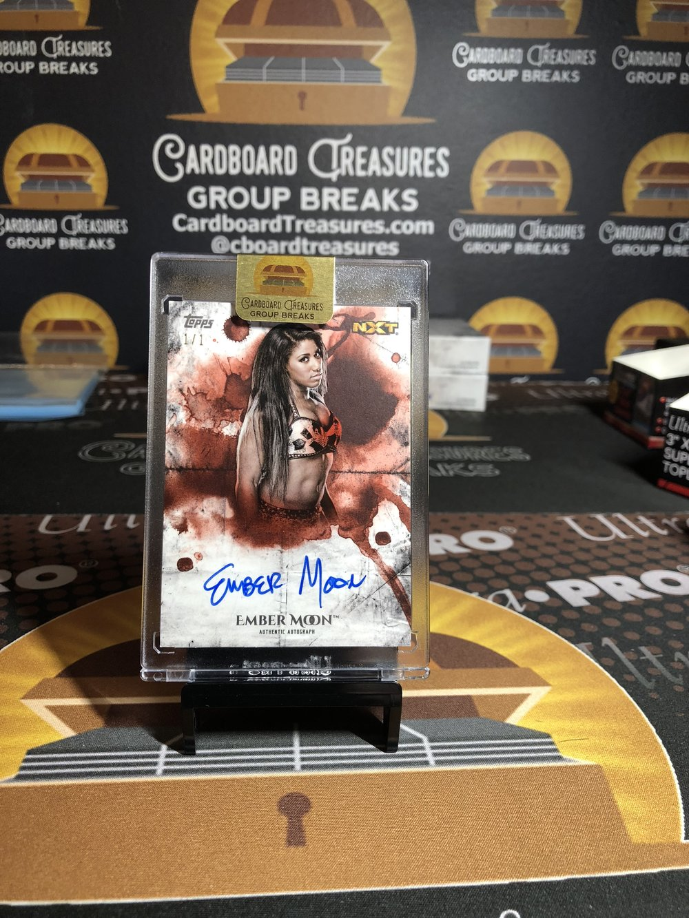 2018 Topps WWE Undisputed Ember Moon Autograph Red 1/1