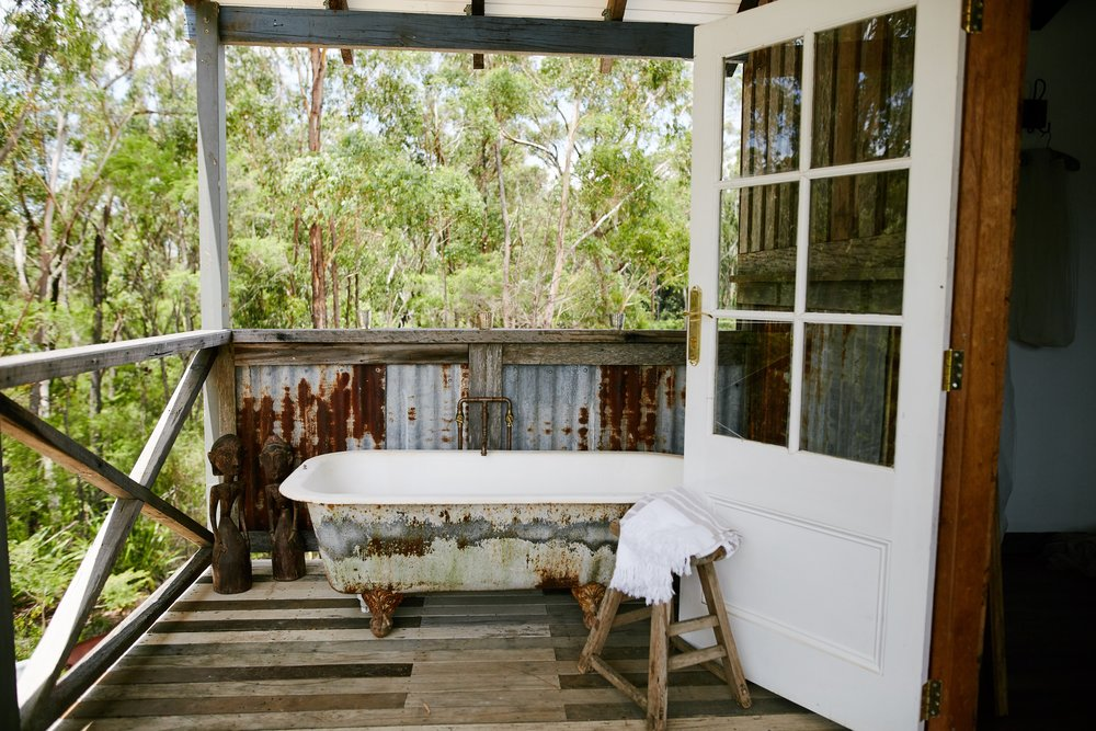 Outdoor bath at wedding venue accommodation Central Coast Stables of Sommersby