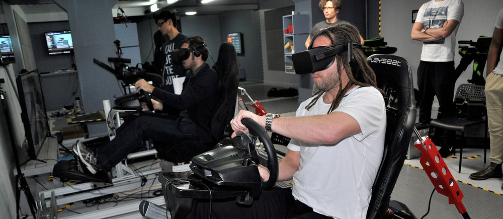 VR-Racing-Simulators-4.jpg