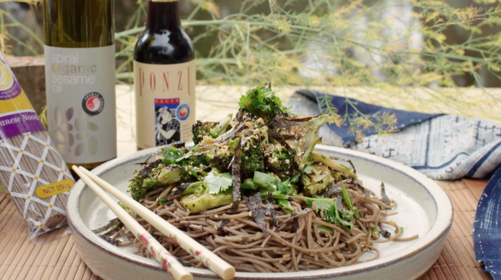 BUCKWHEAT SOBA AND BROCCOLI