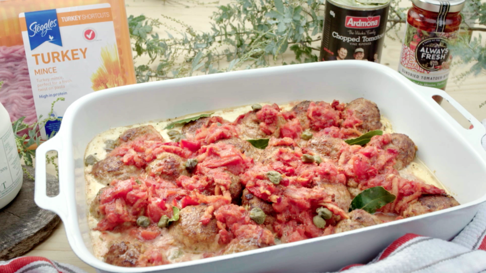 TURKEY MEATBALLS WITH TOMATO & YOGURT SAUCE