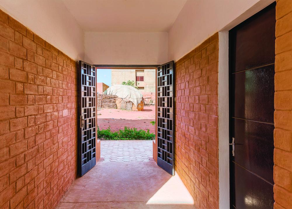 Entry passageway©united4design sm.jpg