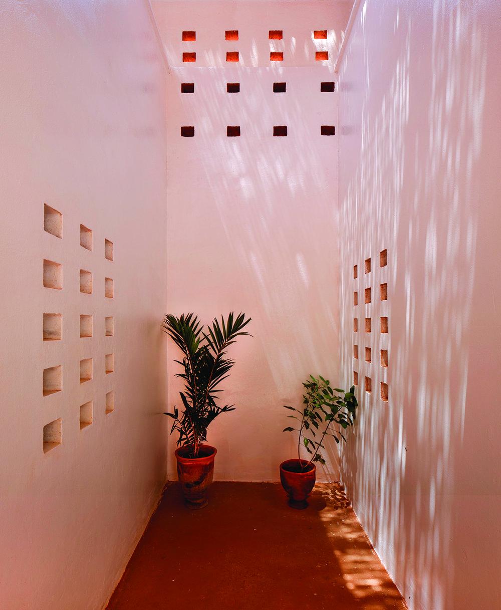 Exterior corridor©united4design sm.jpg